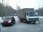 ВНижнем Тагиле грузовик налетел налегковушку имаршрутку
