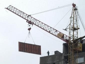 ВВолгограде тушили пожар встроящейся 16-этажке
