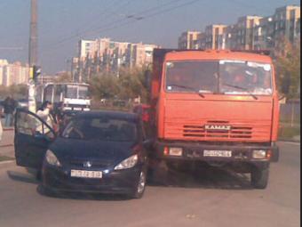 ДТП наСтаврополье: четыре легковушки врезались в«КамАЗ», пострадали 4 человека