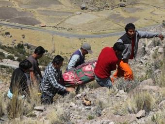 ВИндии 10 человек стали жертвами падения автобуса вущелье