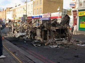 В Лондоне происходят массовые беспорядки