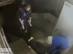 Фельдшеры «скорой помощи» вПетербурге, грубо обращавшиеся спациентом, уволены