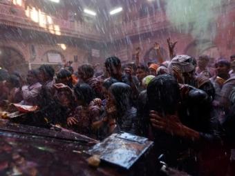Виндийской тюрьме разъяренная толпа забила предполагаемого насильника