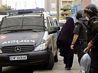 Испанская полиция арестовала двух исламистов, готовивших теракты встране