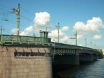 ВПетербурге женщина прыгнула сЛитейного моста