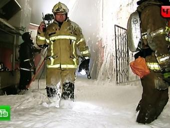 ВКореновске встроящемся здании горит подвал