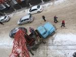 ВМичуринске скрыши школы наребенка упала глыба льда