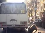 Водитель тверской маршрутки сбил пассажира вотместку, въехав востановку— МВД
