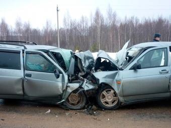 ВКарачаево-Черкесии вДТП погибли шесть человек, трое ранены