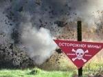 Под Широкино намине подорвался внедорожник сбойцами АТО, двое погибло