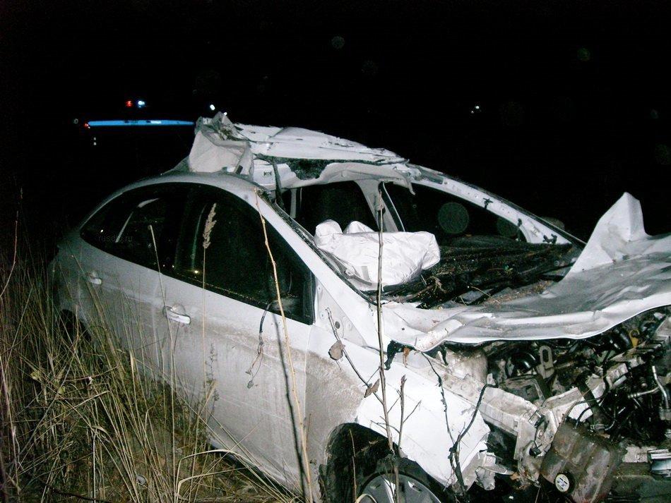 Молодой водитель погиб, столкнувшись надороге слосем