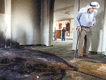 Европейцы сожгли мечеть