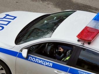 Автомобиль ГИБДД столкнулся смикроавтобусом наПетроградке