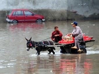 Наводнение в Пакистане унесло жизни более тысячи человек