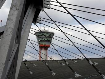 Superjet рейсом Москва— Вильнюс вернулся ваэропорт вылета из-за проблем сдвигателем