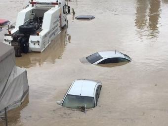 Потоп вСочи: дождь превратил улицы города вреки