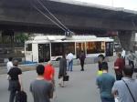 Троллейбус спассажирами вспыхнул встолице России