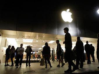 Поклонники пришли почтить память Джобса к магазинам Apple
