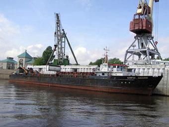 Потеряна связь с сухогрузом в Белом море