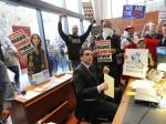 На демонстрации в Сан-Франциско арестовали 100 студентов