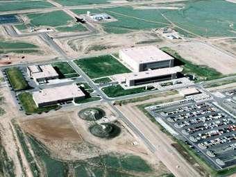 Забаррикадировавшийся на базе ВВС США военный сдался властям