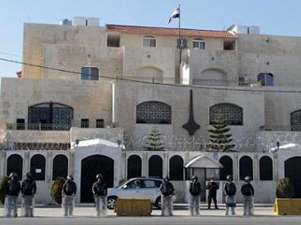 В сирийском посольстве в Иордании избили дипломатов