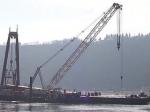 На Рейне танкер с серной кислотой сел на мель