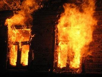 В Уфе полицейский вынес женщину из горящего дома
