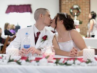 Пышные свадьбы приводят к разводу