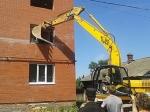В Казани снесли незаконно построенный таунхаус