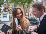 В Екатеринбурге три десятка девушек повторили «Канадский эксперимент»