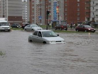 Мэрия отчитала коммунальщиков за потоп на улицах Чебоксар