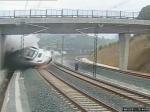Машинист, виновный в крушении пассажирского состава в Испании, оставлен на свободе