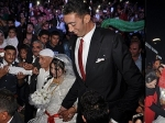 Самый высокий человек в мире отпраздновал свадьбу