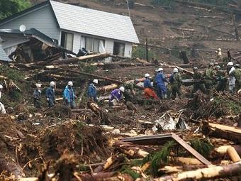 35 человек стали жертвами оползня в Японии