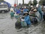 70 тысяч человек эвакуированы из-за наводнения во Вьетнаме