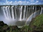Китаец упал с водопада Виктория и остался жив и невредим