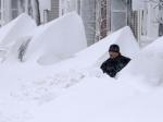Сильные снегопады обрушились на США