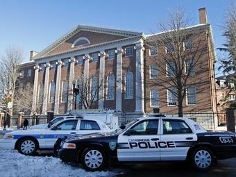 Студентов и сотрудников Гарварда эвакуировали после ложных сообщений о взрывчатке