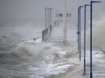 Европу накрыла свирепая буря