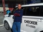 Честный таксист вернул 300 тысяч долларов законному владельцу