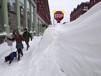 Америка засыпана снегом, ожидается продолжение