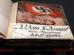 2 редкие копии книги «Майн Кампф», подписанные молодым Гитлером, продадут с аукциона