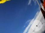 Прыжок с парашютом едва не закончился столкновением с метеоритом