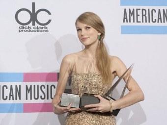 Тейлор Свифт получила три награды American Music Awards