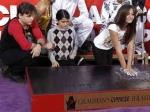 Отпечатки ладоней Майкла Джексона появились на Аллее славы