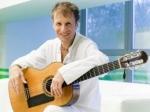 Известный гитарист Дидюля выступил в Риге