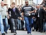 Охранники Бибера задержаны за кражу фотокамеры