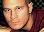 Скончался популярный исполнитель песен в стиле кантри Кевин Шарп
