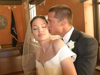 Появились первые фотографии со свадьбы А. Джоли и Б. Питта